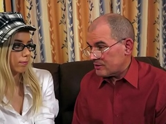 Spex babe fucked on the sofa wide of oldman