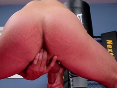 Wrestler wanking forwards gym before cumming