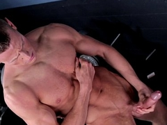 Ripped musician jerks dick in lockerroom session